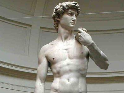 ああ、ダビデ像が大変なことに…...