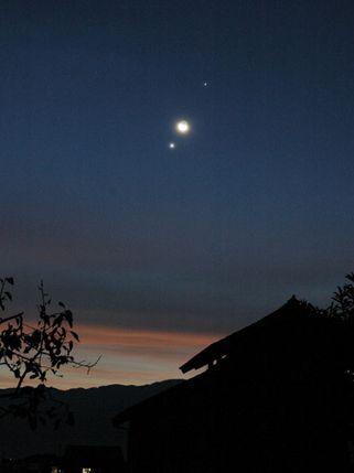 金星と木星2004年遠景