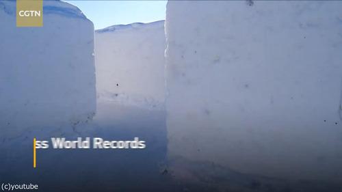 カナダに巨大な雪の迷路02