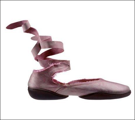世にも奇妙な靴06