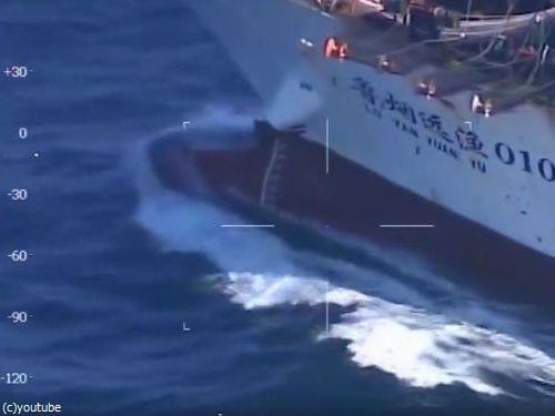 アルゼンチン海軍が中国漁船を撃沈00