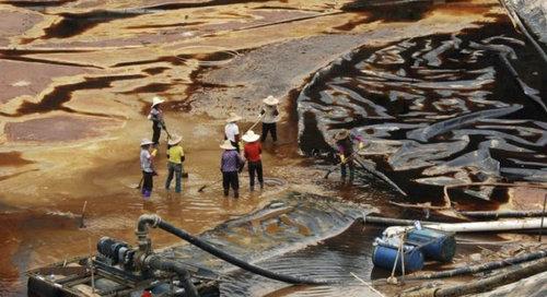 中国のもはや手に負えない公害06