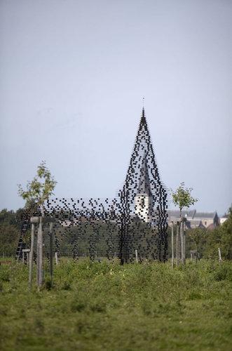 ベルギーの透ける教会04