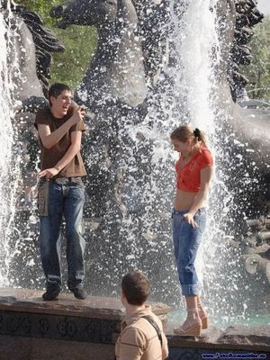 噴水でずぶ濡れロシアの美少女13