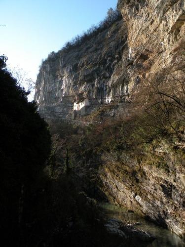 サン・コロンバーノ岩窟教会08