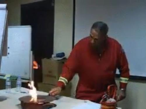 フライパンの油が燃えたときの消し方06