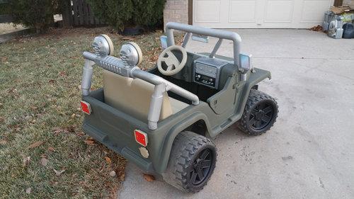 バービーの車を男の子向けの車にリサイクル05