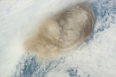 サリチェフ山噴火05