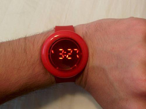 ユニークな腕時計06