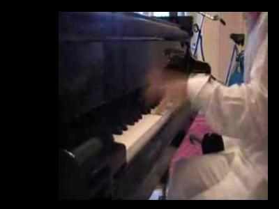 片手でパイレーツ・オブ・カリビアンをピアノ演奏