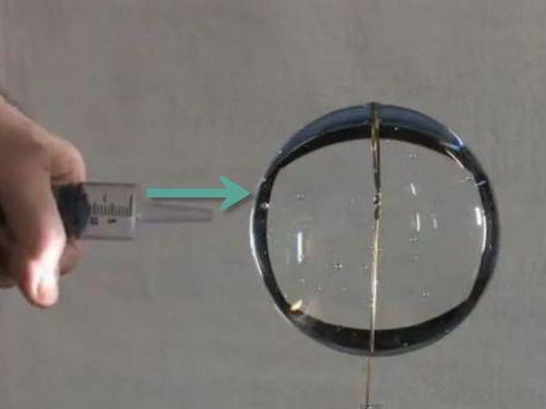 無重力の水実験