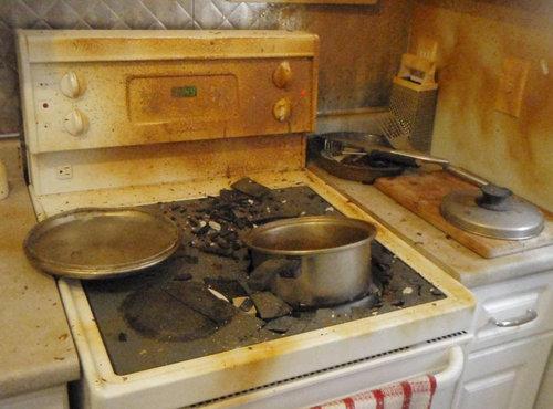 カラメルを煮詰めて火を消し忘れると02