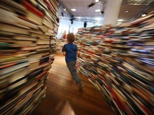 25万冊の本で迷路00
