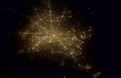 宇宙ステーションから見た世界の大都市の夜景02