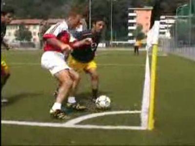 キャプテン翼でも見ないような、想像を超えるサッカーのテクニック