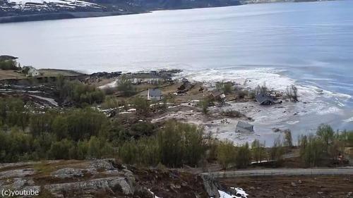 ノルウェーで大規模な地すべり02