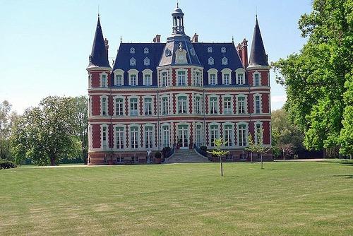 ヨーロッパのお城のような家 C01