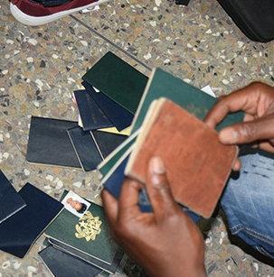 ガーナで偽のアメリカ大使館02
