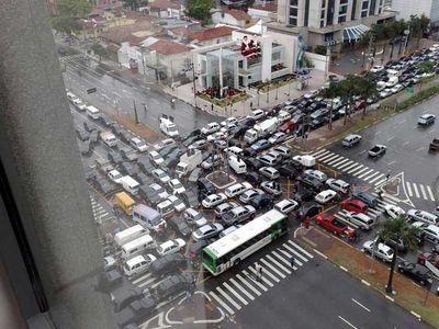 渋滞の先頭