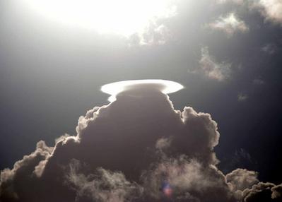 天地創造か終末のような空模様07