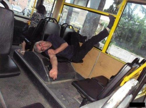 04電車、バス、飛行機での変わった乗客