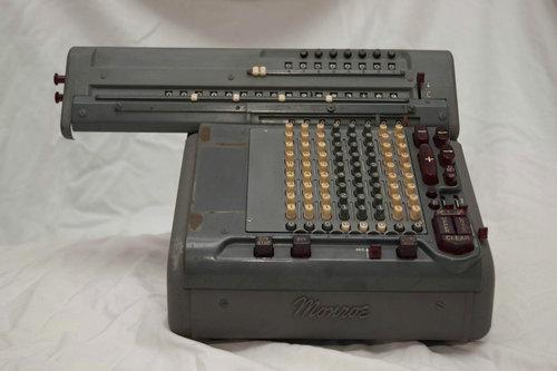 機械式計算機の断面02