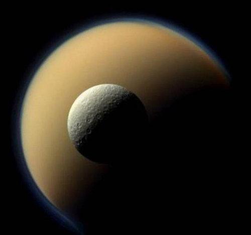 土星探査機カッシーニ14