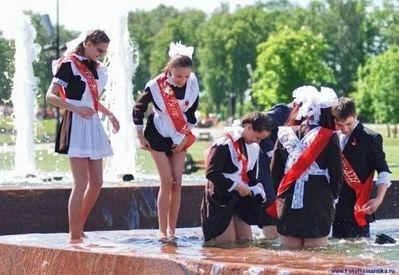 噴水でずぶ濡れロシアの美少女18