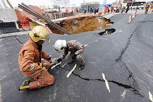 道路の修理のしかた01