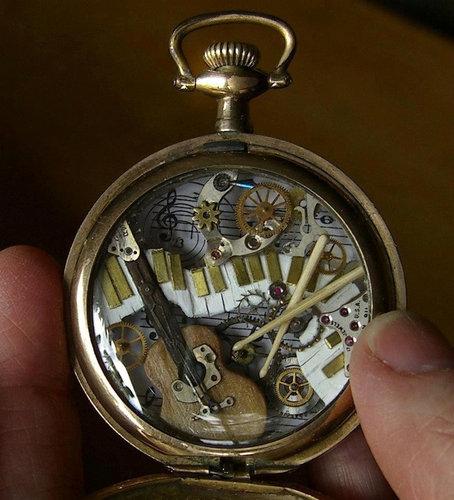 時計の部品から造った動物アート05