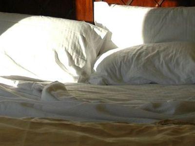ベッドで目覚め