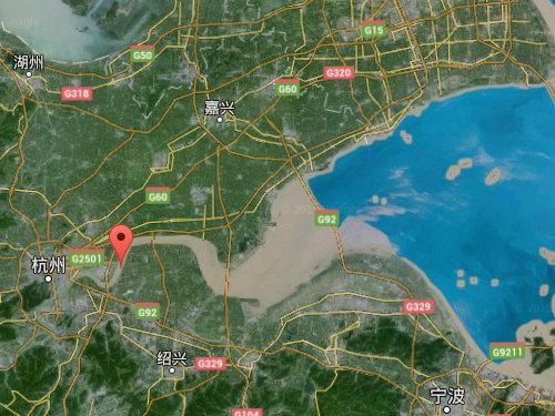 銭塘江の大波03
