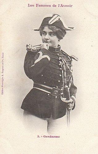 100年前に想像した未来の女性像03