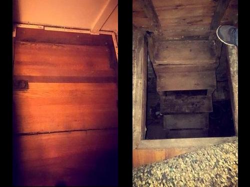 秘密の地下室00