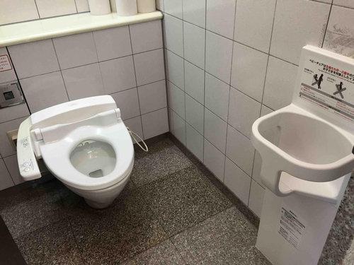 日本のトイレに外国人が感動01