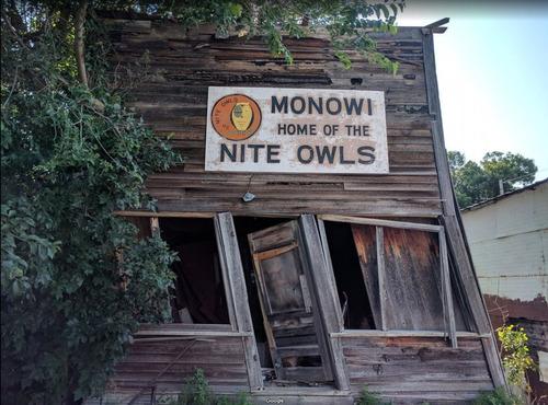 住民が1人しかいない村モノウィ03
