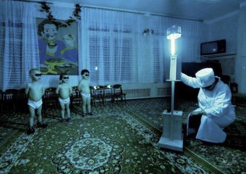シベリアの子供たちに紫外線ランプ01