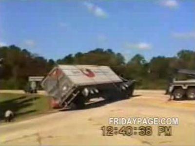 転倒したトラックを救出したら
