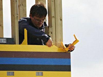 300万個のレゴで家を建設04