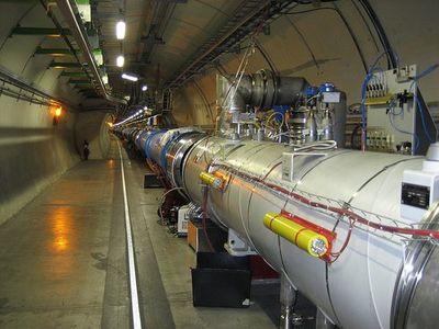 大型ハドロン衝突型加速器(LHC)03