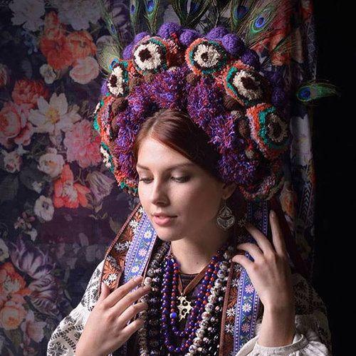 ウクライナ女性の伝統衣装06
