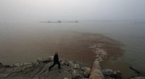 中国のもはや手に負えない公害07