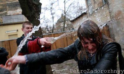 ウクライナの水掛けっこ06