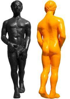 裸体姿のクレヨン04