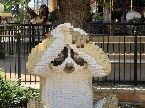 サンアントニオ動物園がレゴの動物を展示05