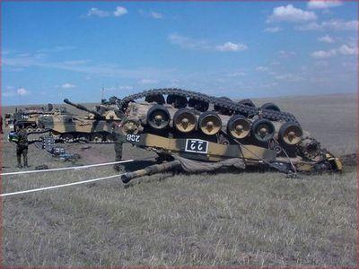 事故を起こした戦車07