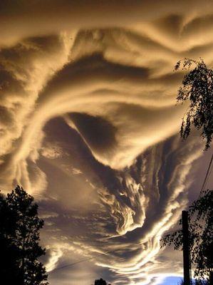 ヤバい雲02