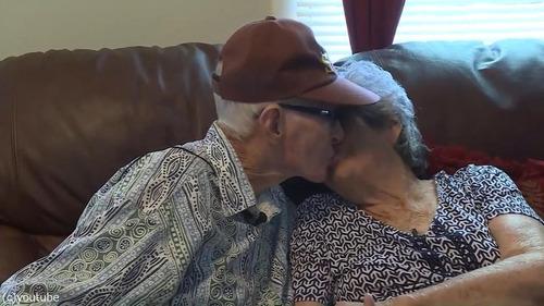 結婚71年の夫婦、同日に亡くなる03