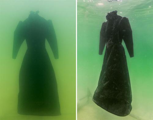 死海に2年間ドレスを沈めると→こんな姿に変身する02