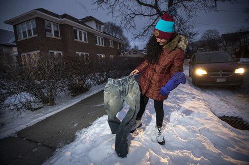 アメリカでジーンズを凍らせる遊び02